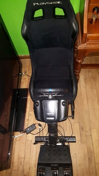 50203 - VENDS PLAYSEAT +VOLANT LOGITECH G 29 pour PlayStation.