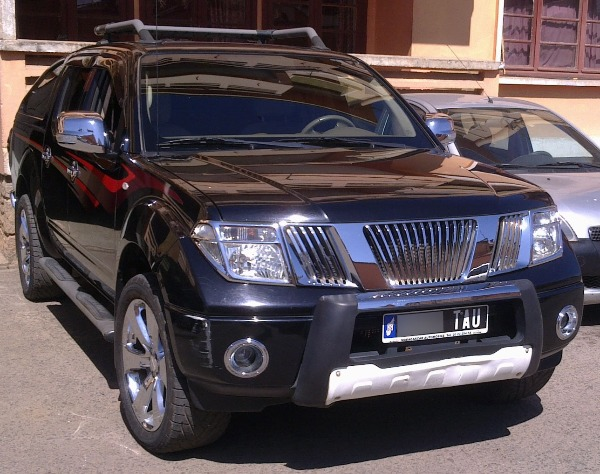 nissan navara d40 le a vendre madagascar 20559. Black Bedroom Furniture Sets. Home Design Ideas