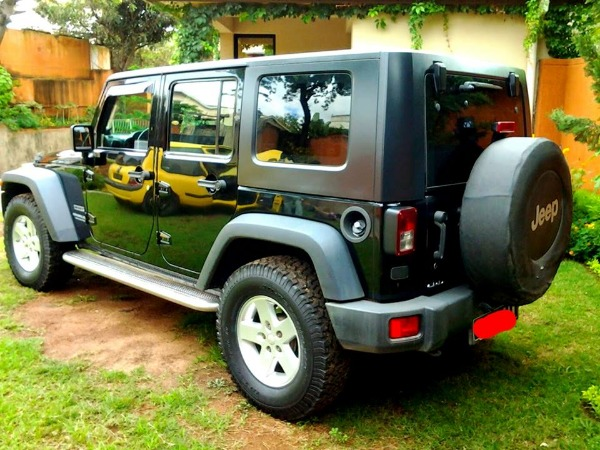 jeep wrangler a vendre madagascar 25701. Black Bedroom Furniture Sets. Home Design Ideas