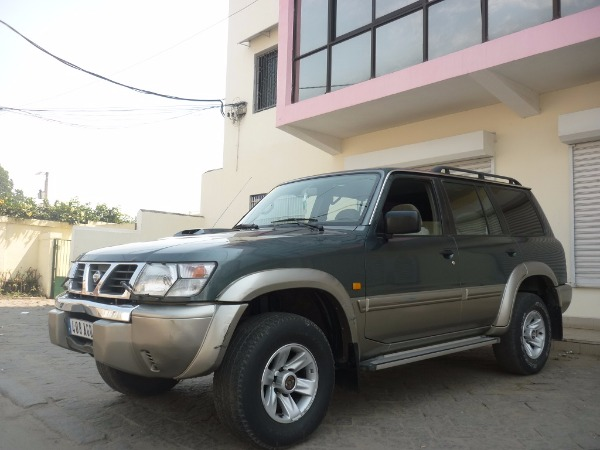 nissan patrol y61 3 0di occasion de france a vendre madagascar 27359. Black Bedroom Furniture Sets. Home Design Ideas