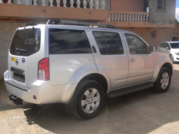 4x4 nissan pathfinder occasion de belgique a vendre. Black Bedroom Furniture Sets. Home Design Ideas