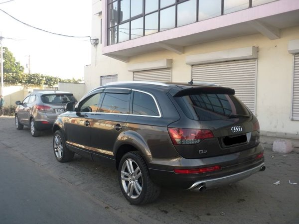 audi q7 tdi a vendre madagascar 35447. Black Bedroom Furniture Sets. Home Design Ideas