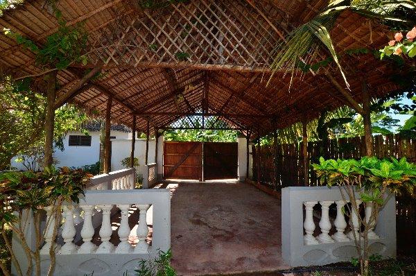 Photo 2 - Jolie villa avec bungalow et piscine