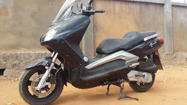 Photo 4 - maxi scooter TGB 125