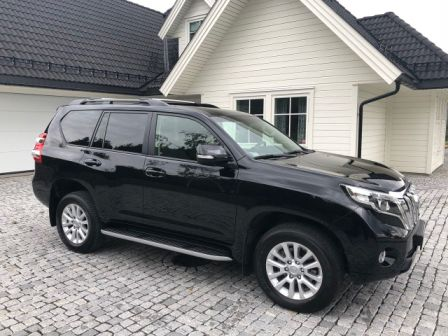 Photo 2 - Toyota Land Cruiser