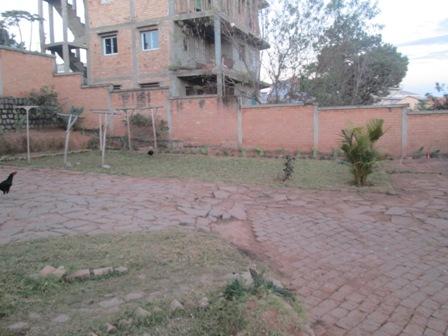 Photo 8 - deux appartements sis à mangarivotra itaosy(ref:VVS 2009/18