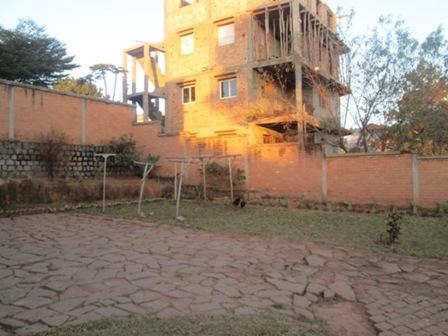Photo 2 - deux appartements T3,T4 sis à mangarivotra itaosy(ref:VVS 20