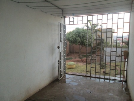 Photo 3 - deux appartements T3,T4 sis à mangarivotra itaosy(ref:VVS 20