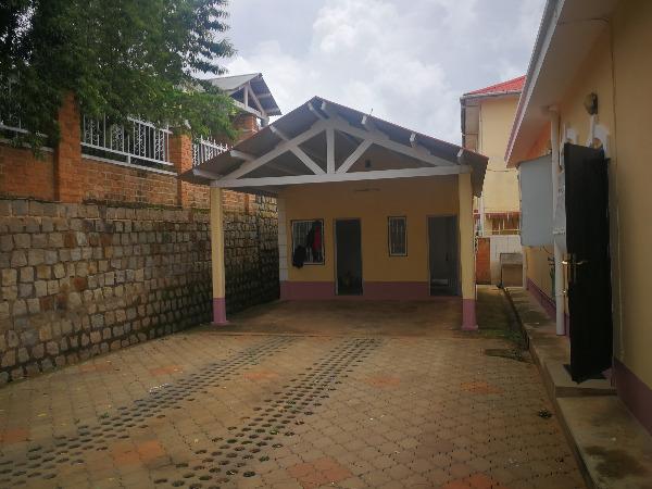 Photo 9 - une villa basse F4 sis à ambatobe(ref:LVS 3110/19)