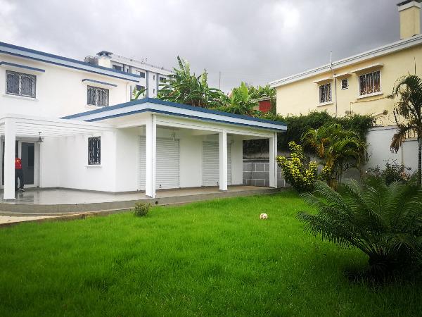 Photo 1 - une belle villa à étage F4 sis à ambatobe(ref:LVS 3111/19)