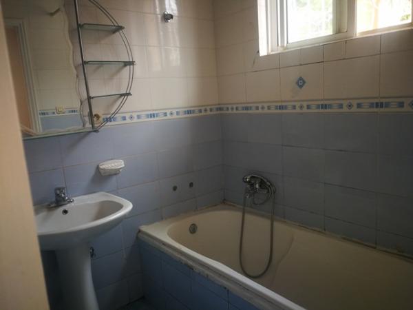 Photo 2 -  une villa de plain-pieds de type F4 à Ambatobe (LVS 3110/18