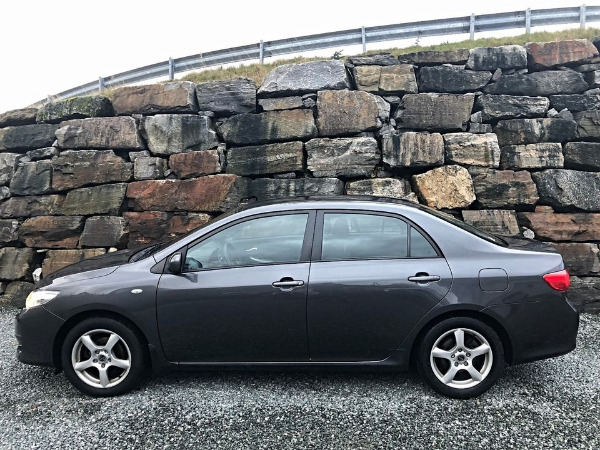Photo 3 - Toyota Corolla