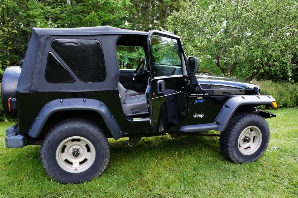 Photo 1 - Jeep wrangler 4.0L Sport 3 portes