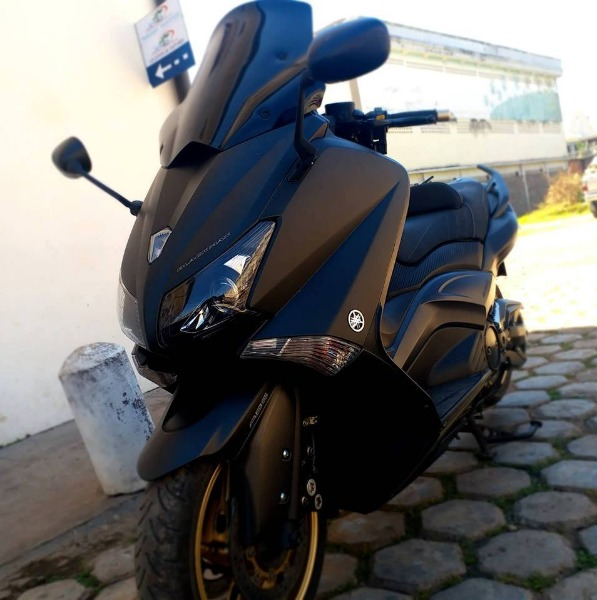 Photo 2 - Yamaha Tmax 530 Blackmax