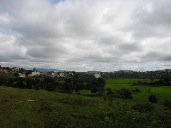 Photo 3 - Terrain de 3300m² à vendre à Ambohidratrimo