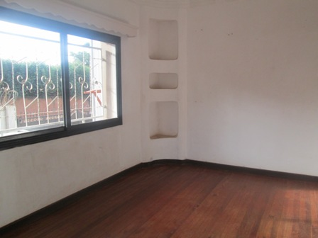 Photo 2 - une villa à étage F3 sise à ampandrianomby (ref:LVS 2073/19)