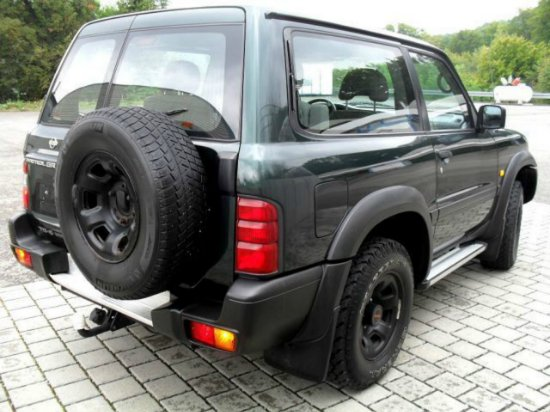 nissan patrol 2 8 t d big fout clim 4x4 occasion a vendre madagascar 7845. Black Bedroom Furniture Sets. Home Design Ideas