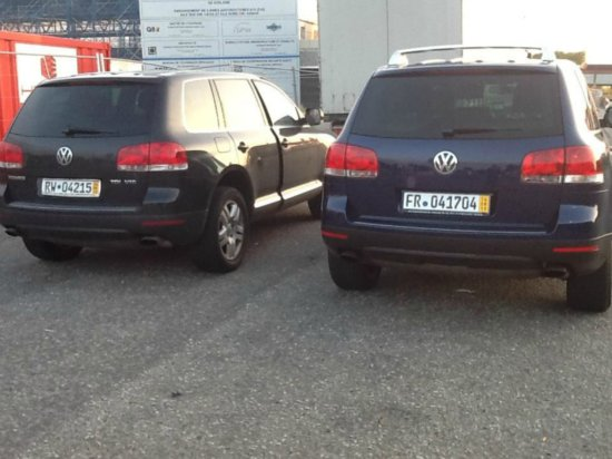 a vendre deux vw touareg v10 tdi a vendre madagascar 8321. Black Bedroom Furniture Sets. Home Design Ideas